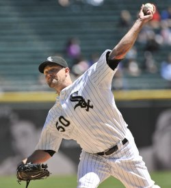 White Sox pitcher Danks delivers against Twinsin Chicago