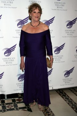 Linda Lavin arrives for the 2010 American Theatre Wing Gala in New York
