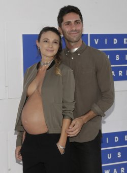 Nev Schulman and Laura Perlongo arrive at the 2016 MTV Video Music Awards