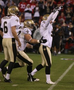 Saints Garrett Hartley defeats the 49ers with a field goal in San Francisco