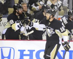 Pittsburgh Penguins Brandon Sutter Scores in Pittsburgh