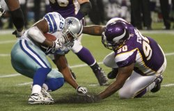 Vikings' Evans tackles Cowboys' Jones for loss in Minneapolis
