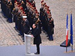 Hollande leads ceremony honoring victims of recent terrorist attacks in Paris