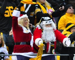 Fans Enjoy Christmas Eve Steelers 27-0 win in Pittsburgh