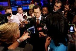 Democrats in NYC Mayor's Race Begin Key Debate
