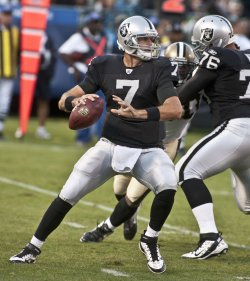 The New Orleans Saints defeat the Raiders 40-20 in Oakland, California
