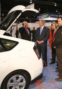 U.S. President Bush speaks at International Renewable Energy Conference in Washington
