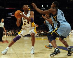 Los Angeles Lakers Kobe Bryant makes a move on Memphis Grizzlies Tony Allenin Los Angeles