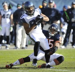 Bears Briggs tackles Seahawks Tate in Chicago
