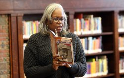Sharon Robinson makes library visit during World Series in St. Louis