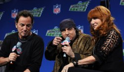 Bruce Springsteen and the E Street Band to perform at Super Bowl XLIII in Tampa