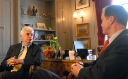 Sen. Dodd and SEC Chairman Cox meet on Capitol Hill in Washington