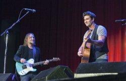 Australian singer Pete Murray kicks off cross Canada tour in Vancouver