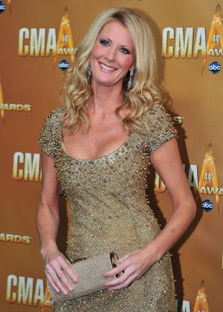 Sandra Lee arrives for the Country Music Awards in Nashville
