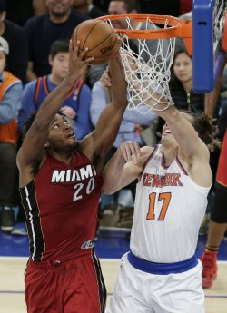 Knicks Lou Amundsen defends Heat Justise Winslow