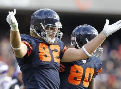Bears Olsen celebrates touchdown against Vikings in Chicago