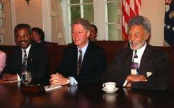 Clinton meets w/ Black Caucus
