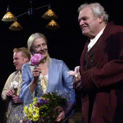 Vanessa Redgrave opens on Broadway in O'Neill's Long Days Journey into Night