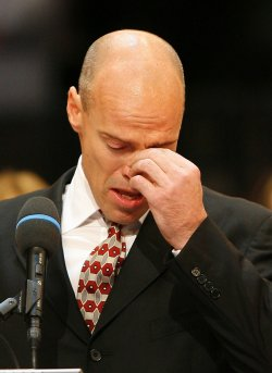 MARK MESSIER HAS HIS NUMBER RETIRED BY THE NEW YORK RANGERS