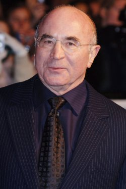 ACTOR BOB HOSKINS AT MRS HENDERSONS PRESENTS BRITISH PREMIERE