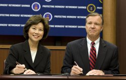 Labor Department and SEC announce agreement in Washington