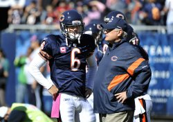Bears' Cutler and Martz talk before game against Panthers in Chicago