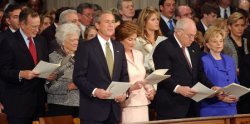 BUSH ATTENDS NATIONAL PRAYER SERVICE