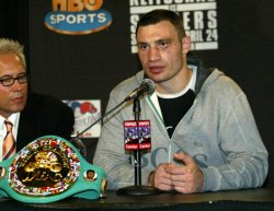 KLITSCHKO-SANDERS WBC HEAVYWEIGHT TITLE FIGHT