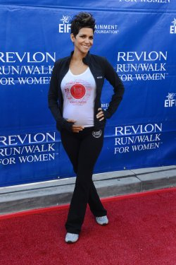 Halle Berry participates in 20th annual Revlon Run/Walk for Women in Los Angeles