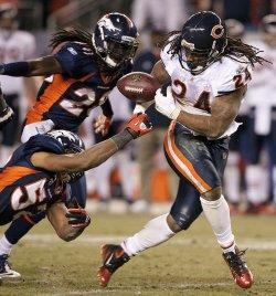 Broncos Woodyard Forces Fumble by Bears Barber in Denver