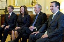 Senator McConnell meets with new Senators in Washington