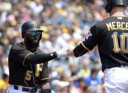 Pirates Jordy Mercer scores on Starling Marte double in Pittsburgh