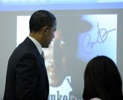 Obama discusses education in Arlington, Virginia