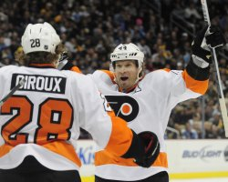 Flyers Kimmo Timonen Scores in First Period in Pittsburgh