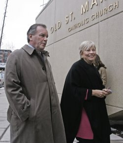 CHICAGO MAYOR DALEY VOTES IN GENERAL ELECTION