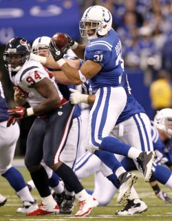 Colts Brown Catches Pass Against Texans