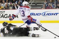 Pens Michalek trips Canadiens Cammalleri in Pittsburgh