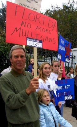 Golfer Ben Crenshaw demonstrates for Bush