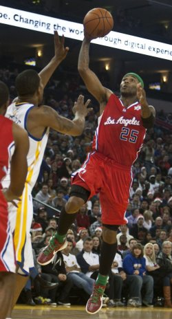Clippers defeat the Warriors 105-86 in Oakland, California