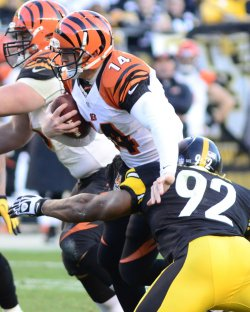 Steelers James harrison Sacks Bengals Andy Dalton in Pittsburgh