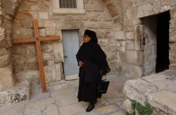 TOURISTS CANCEL HOLY LAND VISITS FEARING TERROR ATTACKS