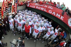 Ohio State head coach Jim Tressel leads his team on the field prior to the start of the Rose Bowl in Pasadena, California