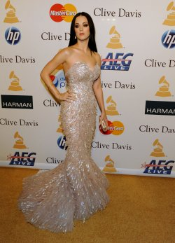 Katy Perry arrives at pre-Grammy gala honoring David Geffen in Beverly Hills, California