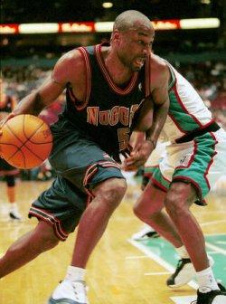 Denver Nuggets edge Vancouver Grizzlies 95-92