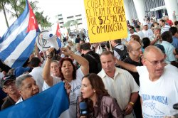 Marlins fans and Cuban community members protest Ozzie Guillen in Miami