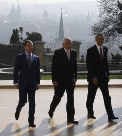 US President Obama, Czech President Klaus and Russian President Medvedev in Prague