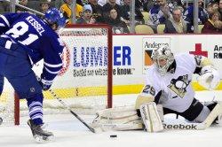 Pens Fleury Blocks Maples Leafs Kessel in Pittsburgh