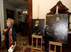 Gov. Schwarzenegger returns Holocaust-era paintings in Sacremento