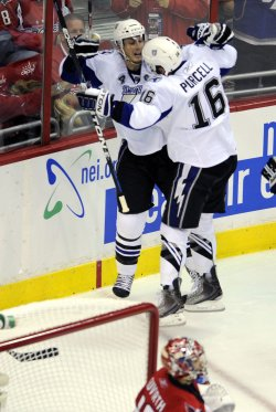 Lecavalier Scores in Washington, DC