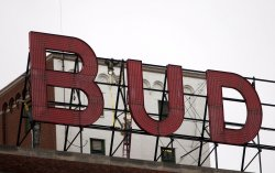 Budweiser sign at St. Louis brewery to be replaced
